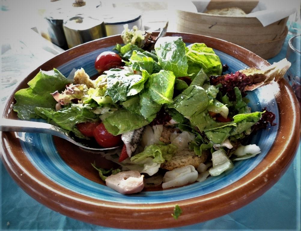 fresh salads - seafood restaurant koubara Ios